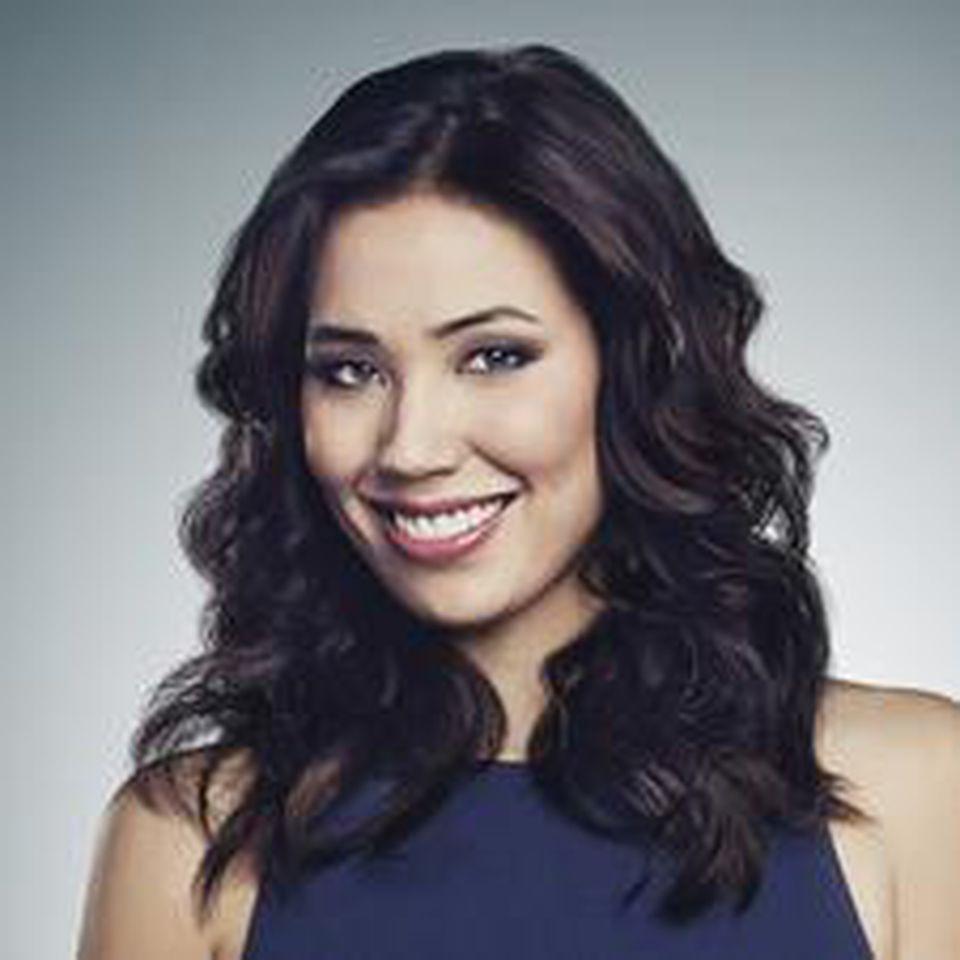 Die Lebenslustige im Team: Angela Montenegro wird gespielt von Michaela Conlin.
