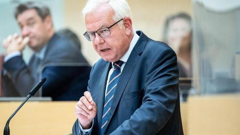 Thomas Kreuzer, Fraktionsvorsitzender der CSU im Bayerischen Landtag, sprichtim Landtag von Bayern. Foto: Matthias Balk/dpa/Archivbild
