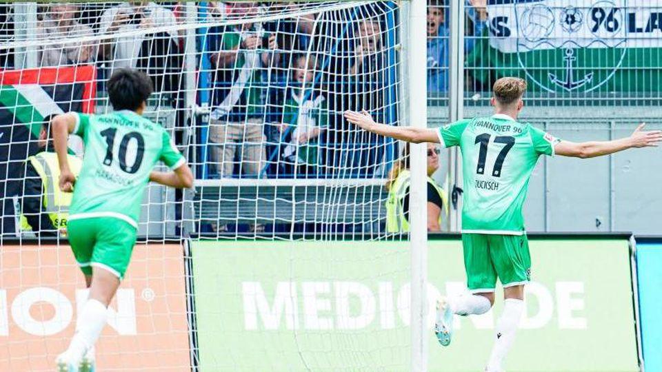 Nach dem ersten Saisonsieg will Hannover 96 gegen Fürth nachlegen. Foto: Uwe Anspach/Archivbild