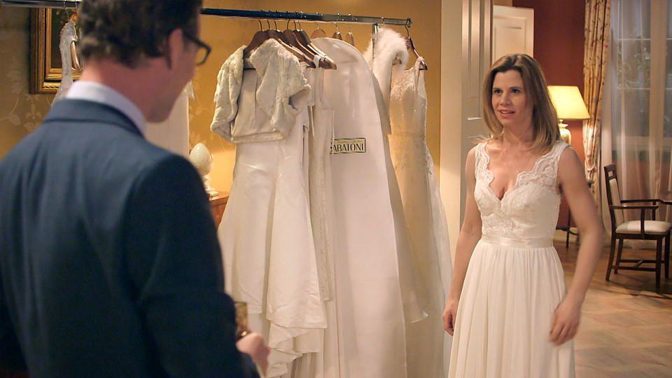 AWZ: Christoph sieht Anne im Brautkleid