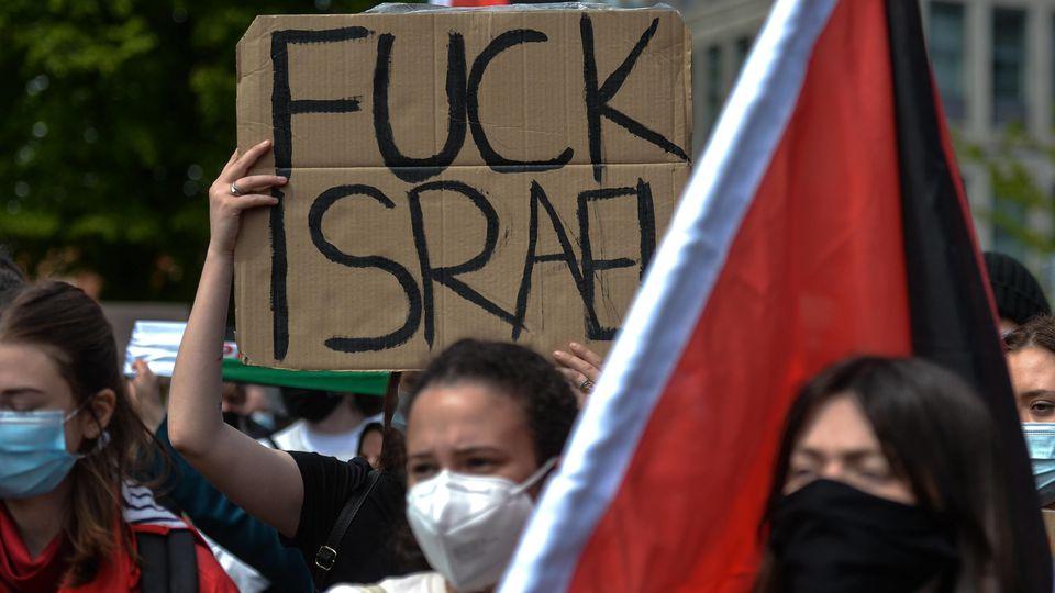 Gegen Israel gerichtete Demonstration in Berlin-Neukölln