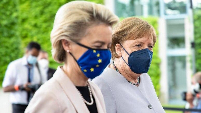 Ursula von der Leyen und Kanzlerin Angela Merkel.