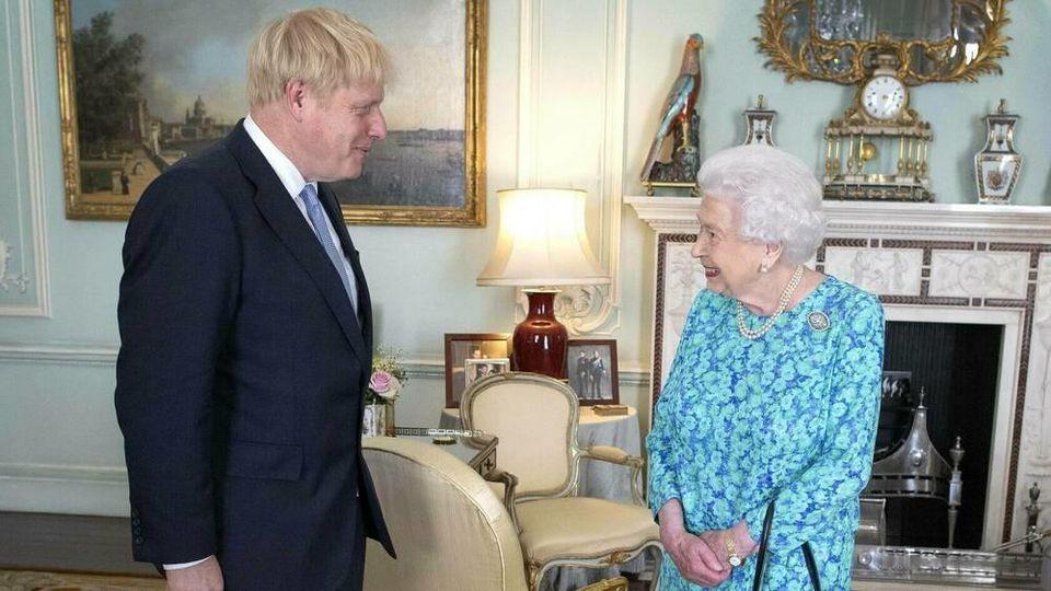 Die Queen hat Boris Johnson zuletzt am 11. März persönlich getroffen.