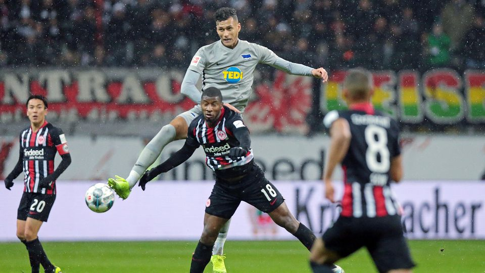 06.12.2019, xovx, Fussball 1.Bundesliga, Eintracht Frankfurt - Hertha BSC Berlin emspor, v.l. Makoto Hasebe (Eintracht F