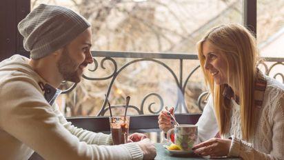 Dating jemand, der nie anruft Älterer Mann im Alter von 18 Jahren