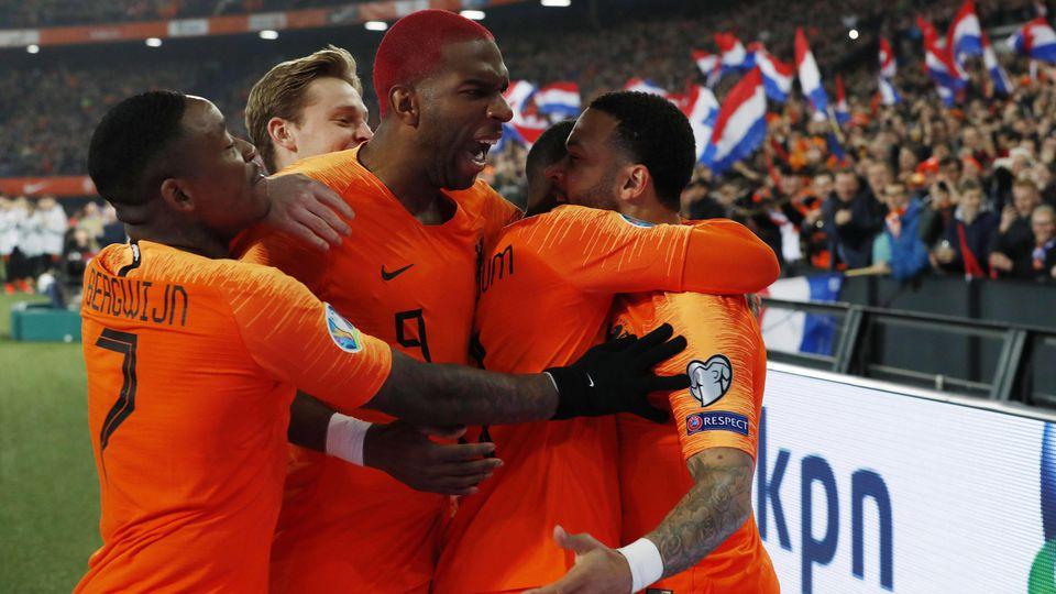 Fußball EM Quali Niederlande Weißrussland l r Steven Bergwijn of Holland Frenkie de Jong of H