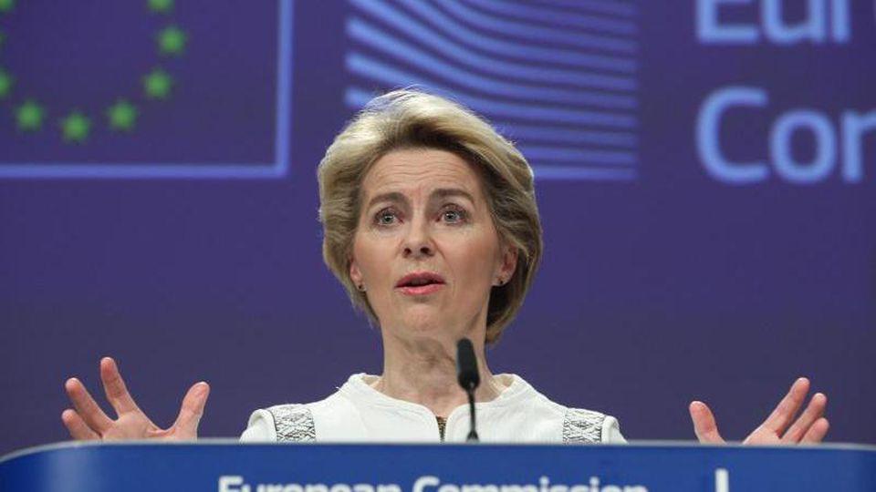 EU-Kommissionschefin Ursula von der Leyen spricht in Brüssel. Foto: Zheng Huansong/XinHua/dpa