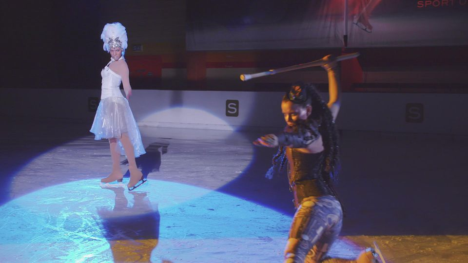 AWZ: Marie und Michelle bei der Eis-Gala