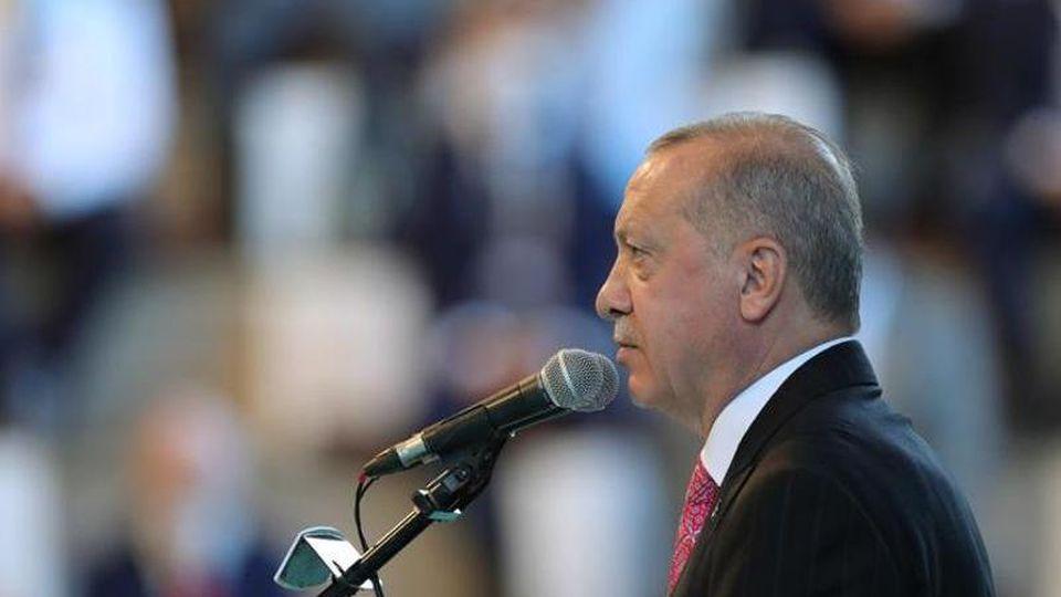 """""""Der Weg zur Lösung im östlichen Mittelmeer geht über Dialog und Verhandlungen"""", sagt Recep Tayyip Erdogan. Foto: -/Turkish Presidency/dpa"""