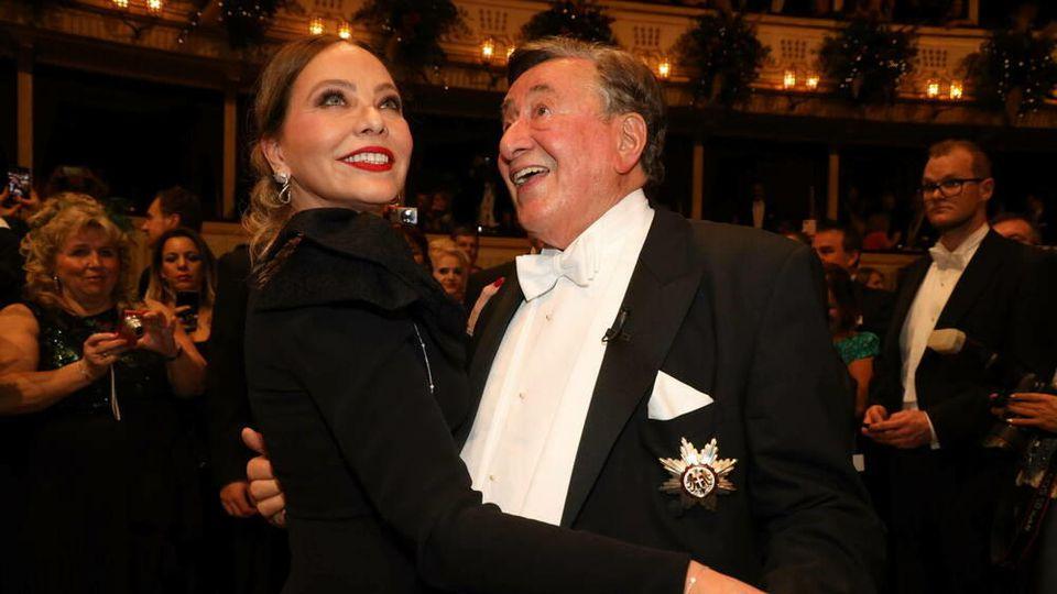 Den Wiener Opernball 2020 besuchte Richard Lugner mit Schauspielstar Ornella Muti.