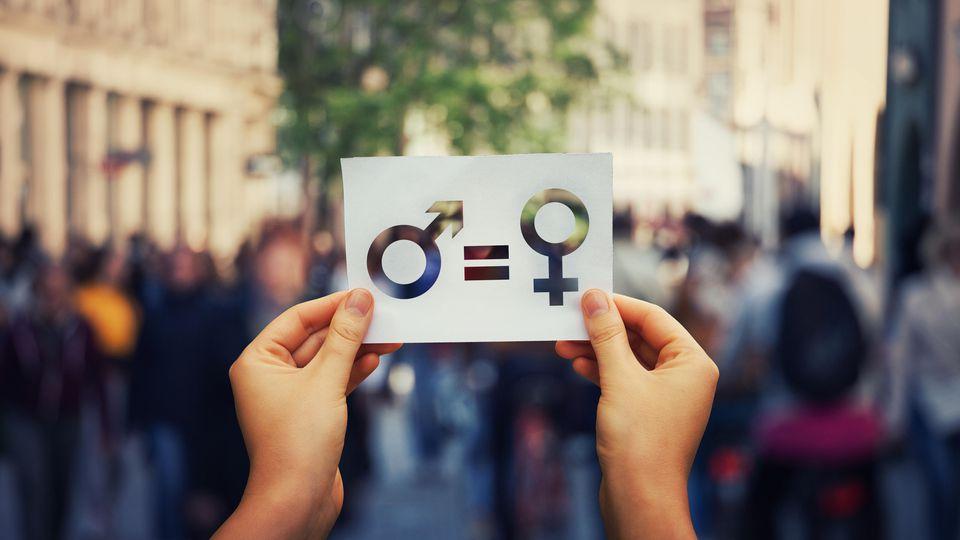Gleichberechtigung? In kaum einem anderen EU-Land ist die Gehaltslücke zwischen Frauen und Männern so groß wie in Deutschland.