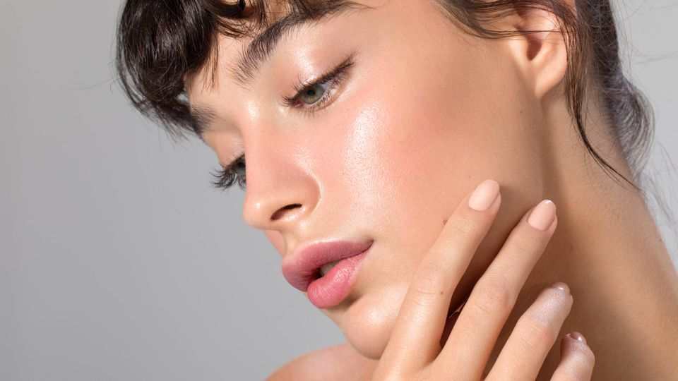 Dolphin-Skin-Trend: So bringen Sie Ihre Haut zum Glänzen.