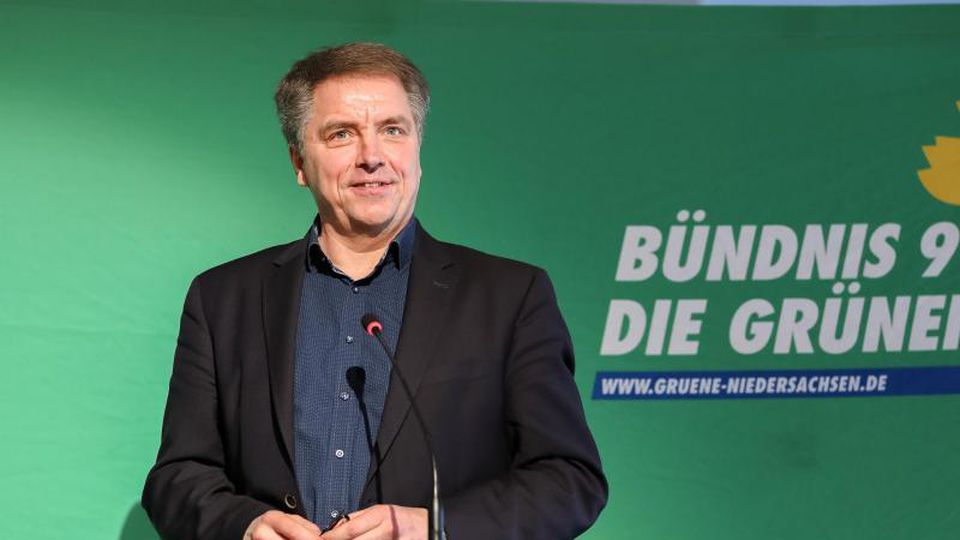 Oldenburgs Oberbürgermeister Jürgen Krogmann (SPD) beim Landesparteitag der Grünen Niedersachsen. Foto: Mohssen Assanimoghaddam/dpa/Archiv