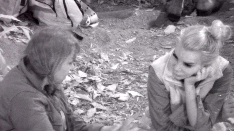 Tag 4 im Camp. Einmal mehr geht es bei Tina York (l.) und Tatjana Gsells Nachtwache um die Ereignisse rund um Tatjanas Ex-Mann