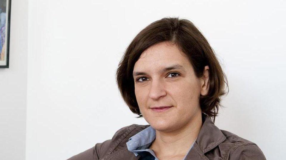 Duflo, die inParis geboren wurde und auch die US-Staatsbürgerschaft besitzt, ist erst die zweite Frau nach der Amerikanerin Elinor Ostrom, die den Wirtschaftsnobelpreis erhält. Foto: Cyril Fresillon/CNRS Phototheque/AP/dpa