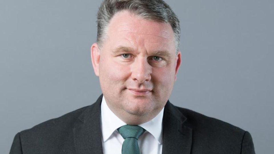 Christian Hartmann (CDU) blickt in die Kamera. Foto: Sebastian Kahnert/dpa-Zentralbild/ZB/Archivbild