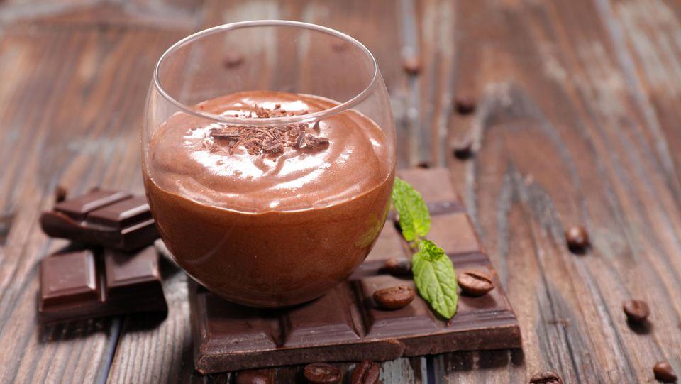 Aus nur zwei Zutaten: Leckeres Schokoladenmousse
