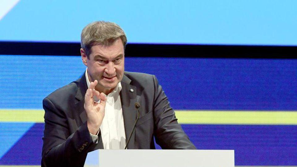 Markus Söder (CSU), Ministerpräsident von Bayern, spricht bei den 33. Medientagen München. Foto: Felix Hörhager/dpa