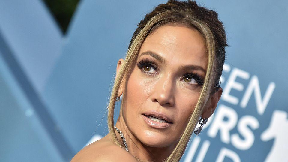 Jennifer Lopez nimmt uns mit in die Badewanne.