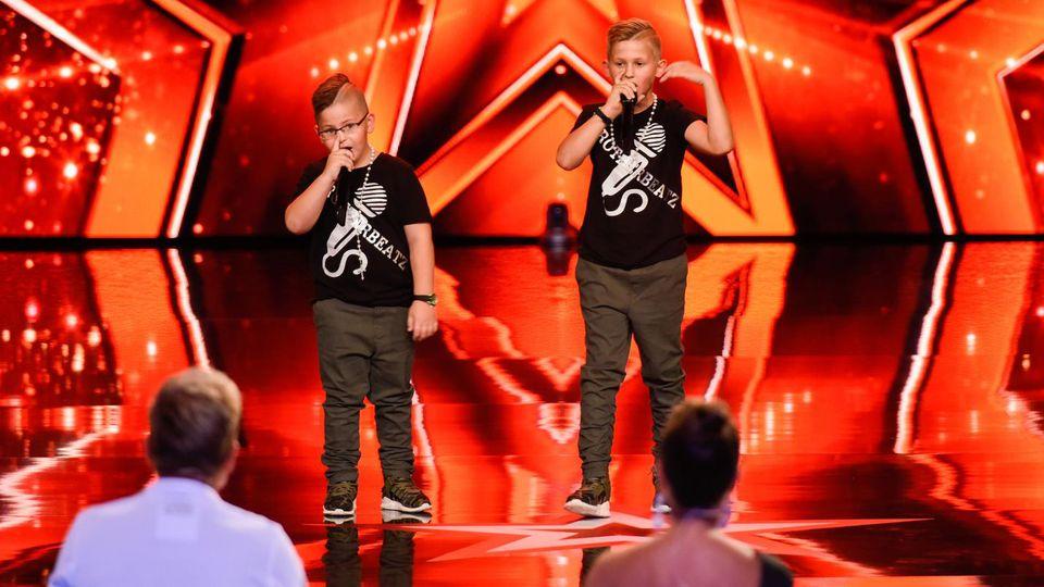 Gino und Diego zeigen, dass sie richtig coole Beatboxer sind.