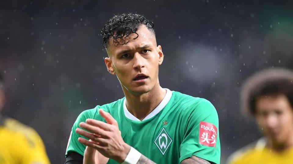 Werders Davie Selke klatscht in die Hände. Foto: Carmen Jaspersen/dpa/Archivbild