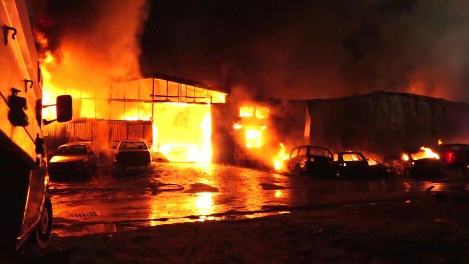 Lagerhalle in Delmenhorst abgebrannt