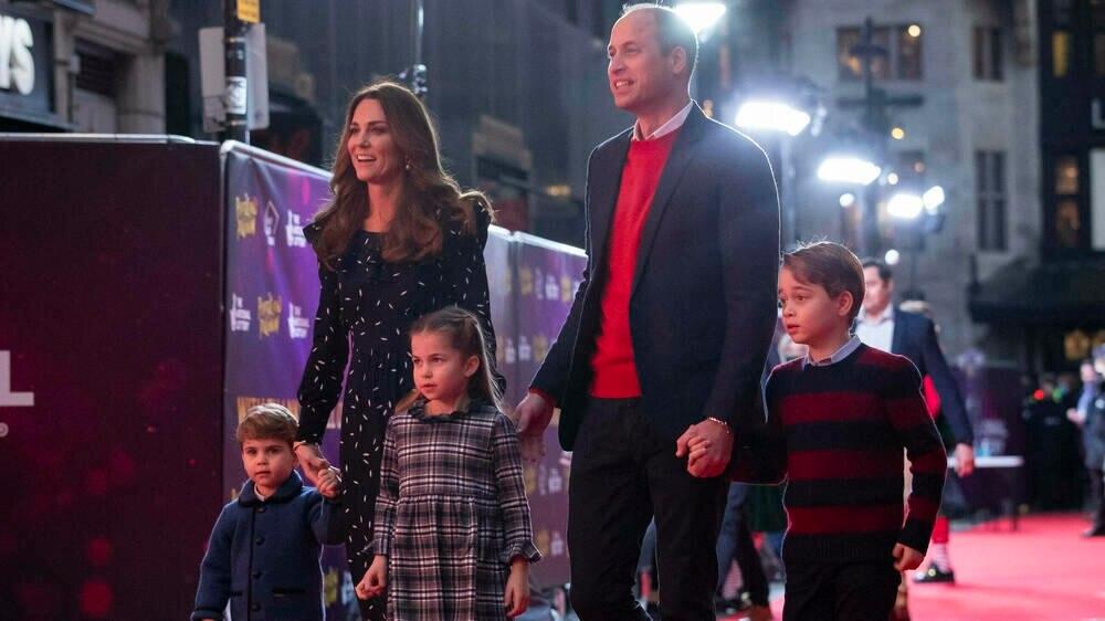 Herzogin Kate und Prinz William mit den Kindern Louis, Charlotte und George.
