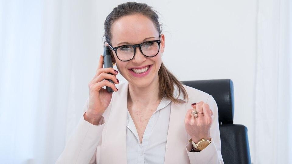 Frauen müssen über ihr Gehalt mehr reden, rät die Expertin.