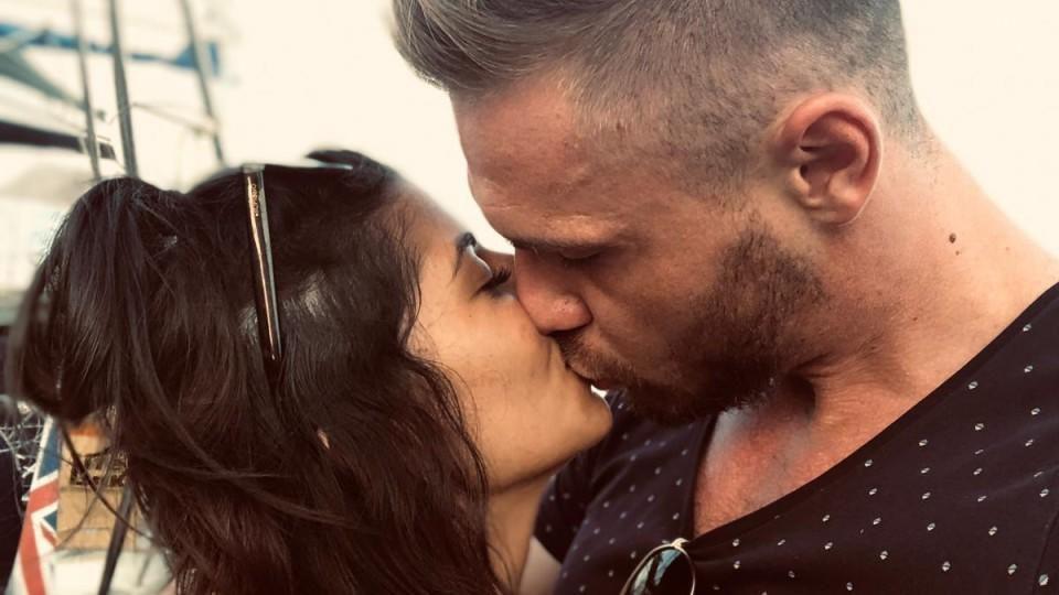 Eva Benetatou ist glücklich mit ihrem neuen Freund Chris.
