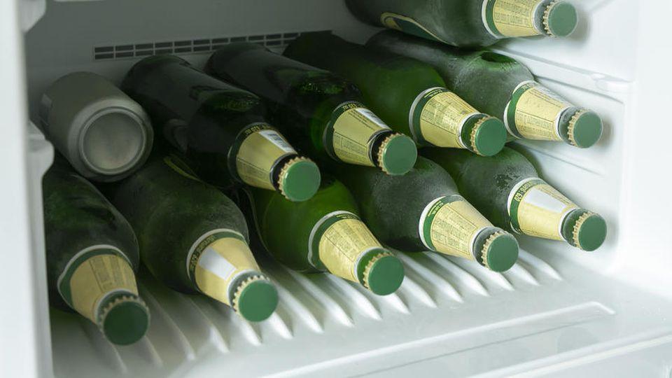 Wie lange dauert es, bis Bierflaschen im Gefrierfach platzen?