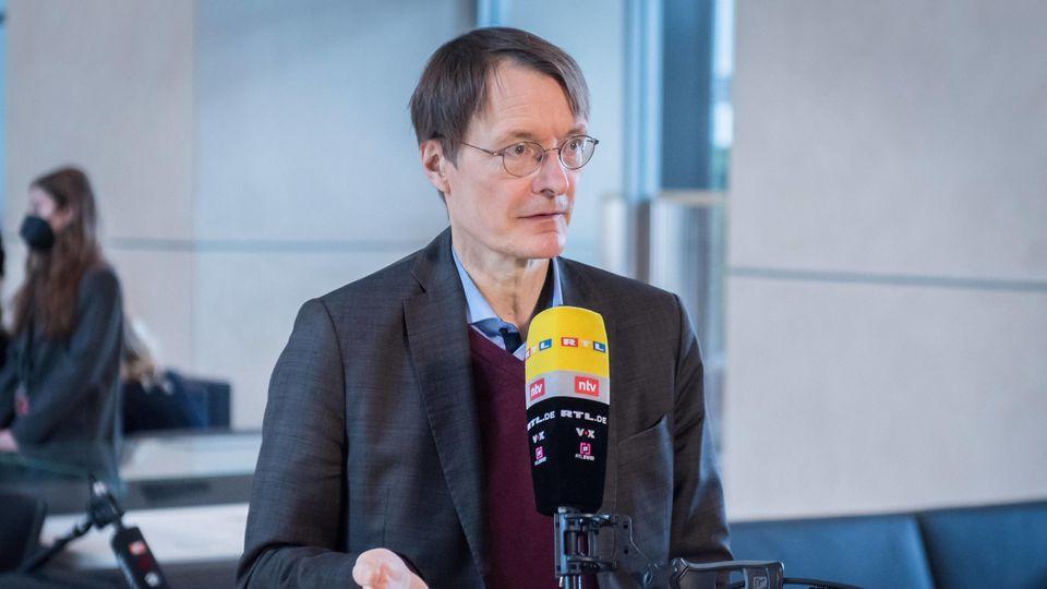Mit einem neuen Impfplan will Karl Lauterbach bis Ostern zwei Millionen Deutsche mehr impfen.