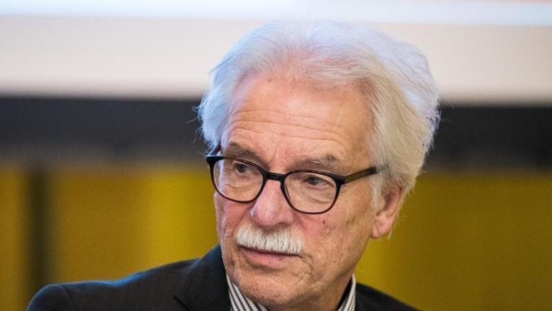 Der frühere Landesvorsitzende Rolf Kahnt nimmt am AfD-Landesparteitag teil. Foto: Andreas Arnold/dpa/Archivbild