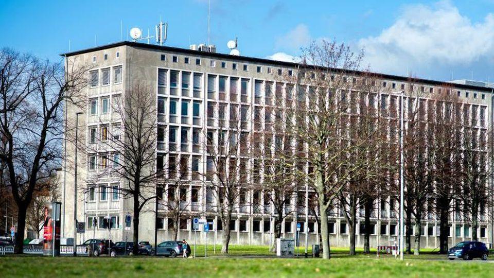 Das niedersächsische Ministerium für Inneres und Sport an der Lavesallee. Foto: Hauke-Christian Dittrich/Archiv
