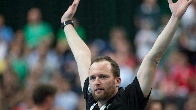 Leipzigs Cheftrainer André Haber reagiert an der Seitenlinie. Foto: Hendrik Schmidt/dpa-Zentralbild/ZB/archivbild