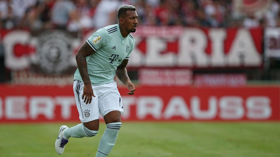18.08.2018, Fussball DFB Pokal 2018/2019, 1. Runde, SV Drochtersen Assel - FC Bayern München, im Kehdinger Stadion Drochtersen. Jerome Boateng (Bayern München) ***DFB rules prohibit use in MMS Services via handheld devices until two hours after a mat