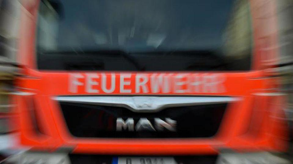 Ein Feuerwehrauto in Berlin. Foto: Britta Pedersen/Archiv