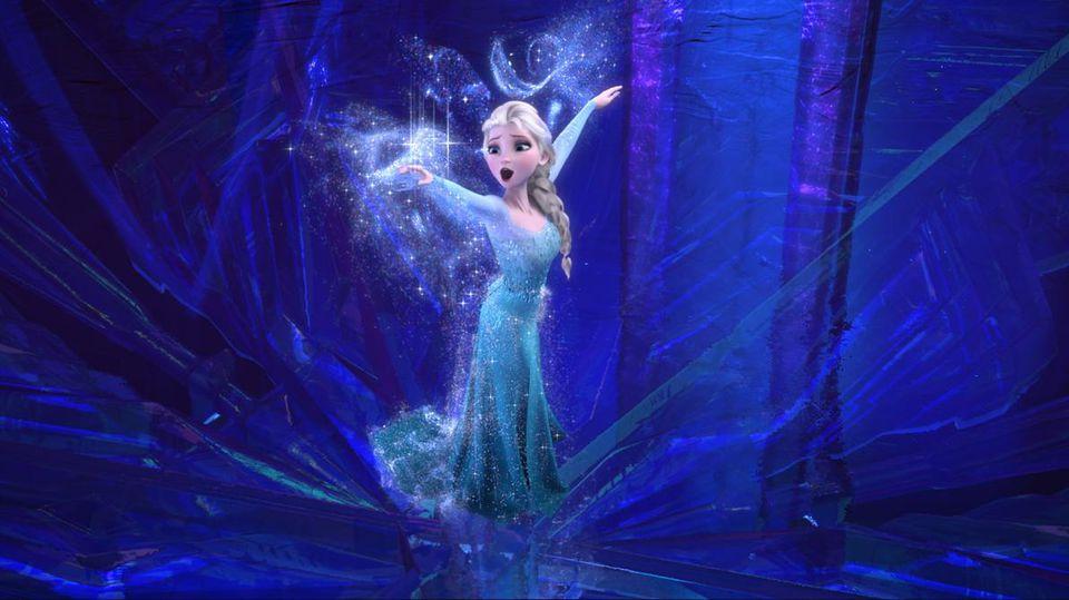 Erst als Königin Elsa aus Arendelle flieht und sich in die Isolation zurückzieht, kann sie ihren magischen Kräften freien Lauf lassen.