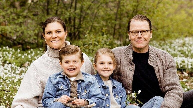 Kronprinzessin Victoria und Prinz Daniel von Schweden mit ihren Kindern Prinz Oscar und Prinzessin Estelle.