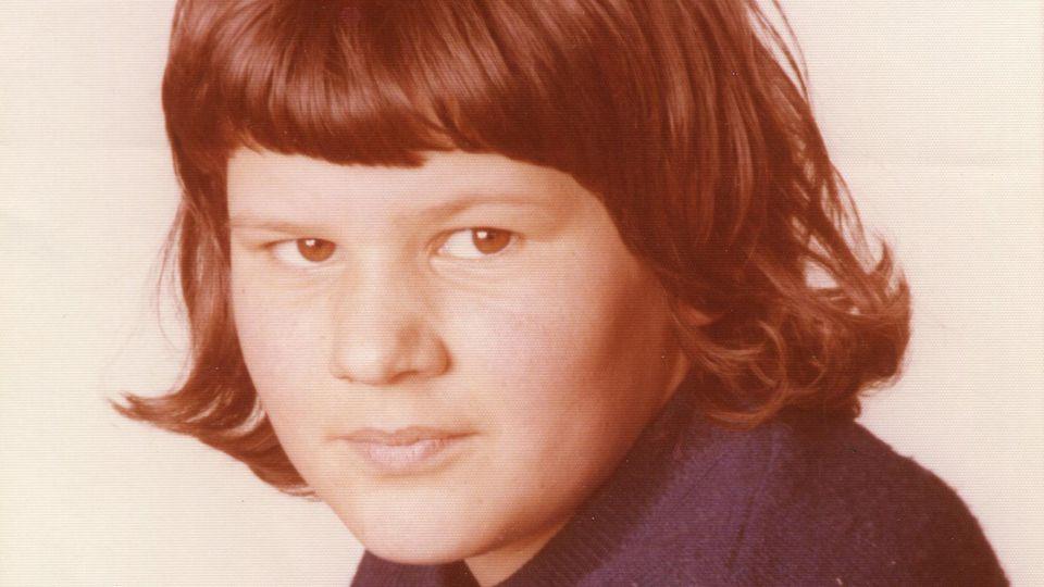 Die 12-jährige Monika Frischholz ist 1976 im bayrischen Flossenbürg verschwunden. Mit diesem Foto suchte die Polizei damals nach der Schülerin.