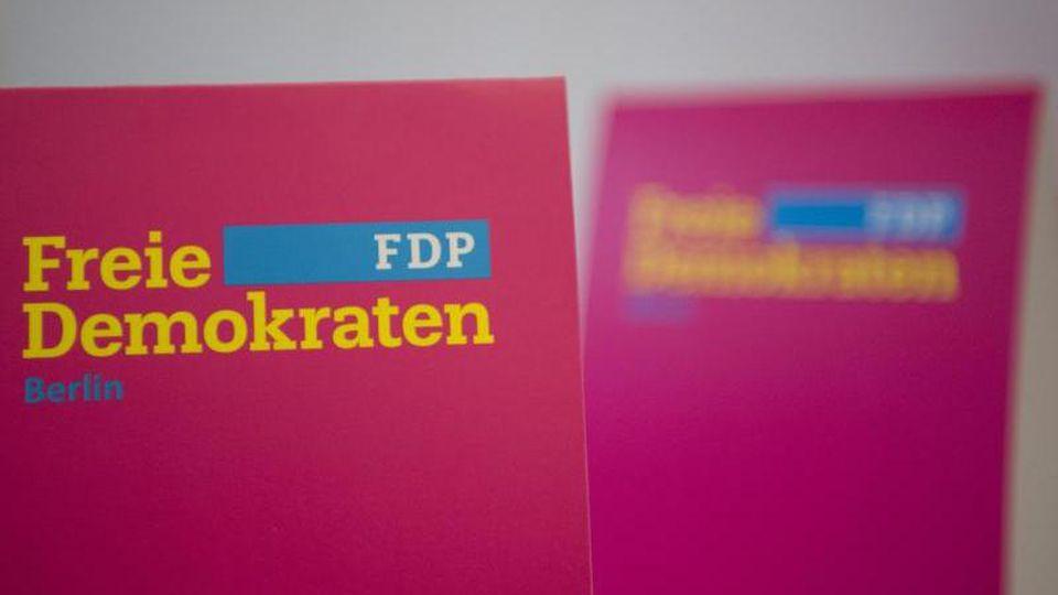 Werbeaufsteller der FDP. Foto: Soeren Stache/Archivbild