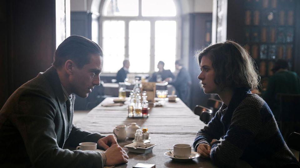 Läuft was zwischen Gereon (Volker Bruch) und Charlotte (Liv Lisa Fries)?