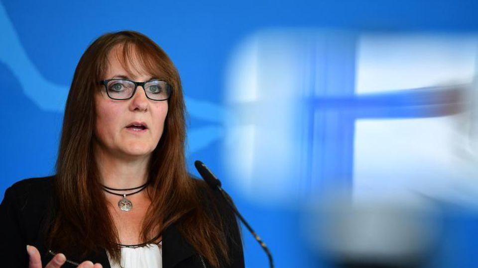 Katrin Lange (SPD), Brandenburgs Finanzministerin, spricht bei einer Pressekonferenz. Foto: Soeren Stache/dpa-Zentralbild/dpa/Archivbild