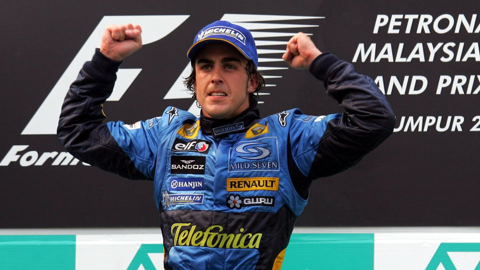 Race winner Fernando Alonso (ESP) Renault celebrates on the podium. Formula One World Championship, WM, Weltmeisterscha