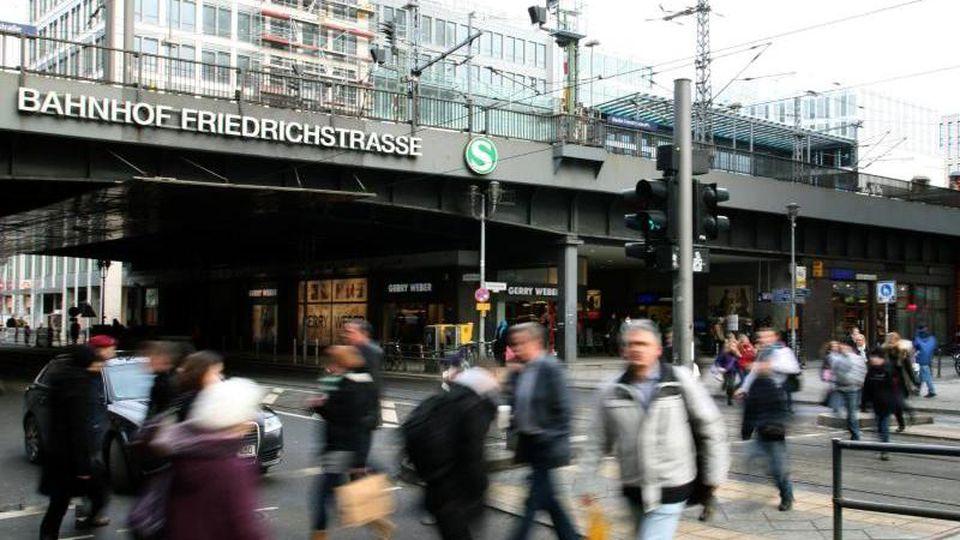 Blick in die Friedrichstraße in Berlin-Mitte. Foto: picture alliance / dpa/Archivbild