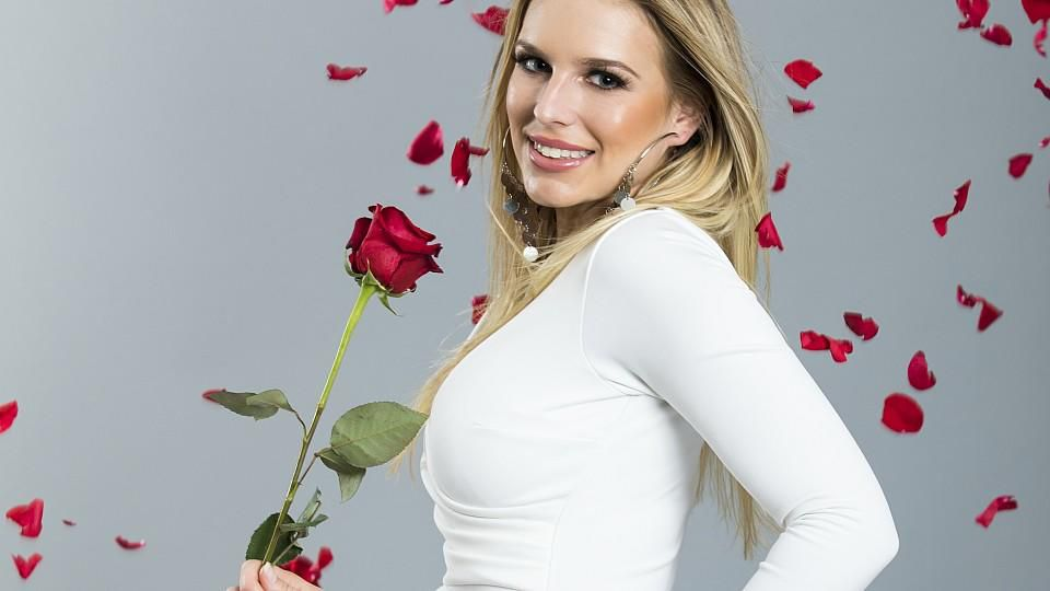 """BWL-Studentin Anna bekommt in der dritten """"Nacht der Rosen"""" keine Rose"""