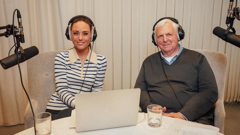"""Franca Lehfeldt und Heiner Bremer diskutieren im Podcast """"Redezeit"""" über aktuelle Themen"""