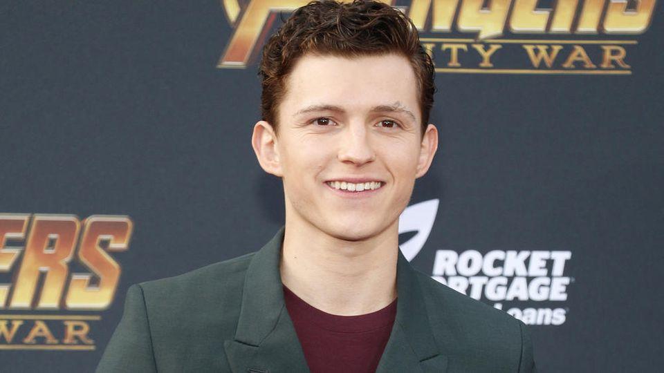 """Tom Holland verspricht """"noch coolere"""" Filme über Spider-Man"""