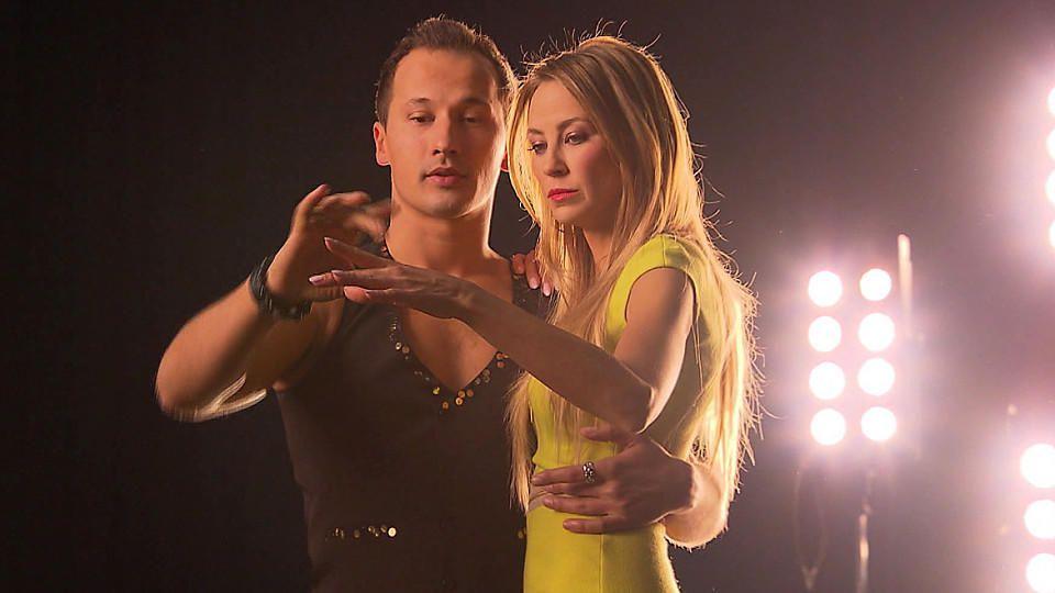 """""""Let's Dance""""-Kandidatin Alessandra Meyer-Wölden ist 1,76 Meter groß – Profitänzer Sergiu Luca überragt sie trotzdem."""