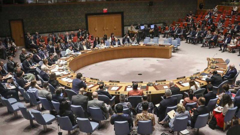 Mitglieder nehmen an einer Sitzung des Sicherheitsrates der Vereinten Nationen im August 2019 teil. Die Sitzung zur Corona-Krise wird in einem virtuellen Rahmen stattfinden. Foto: Bebeto Matthews/AP/dpa