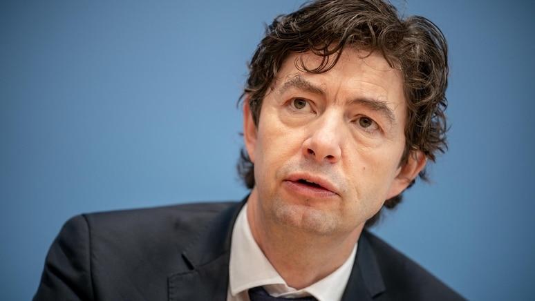 Christian Drosten sieht für die Verbreitung der Delta-Variante in Deutschland die Möglichkeit eines anderen Verlaufs als in Großbritannien.
